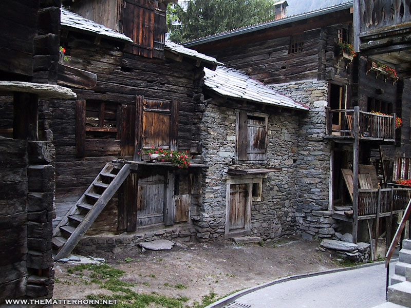 external image An%20old%20alley%20in%20Zermatt.jpg